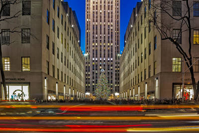 Cityscapes Photograph - Rockefeller Center Christmas Nyc by Susan Candelario