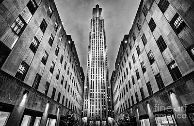 Light And Shadow Photograph - Rockefeller Centre by John Farnan