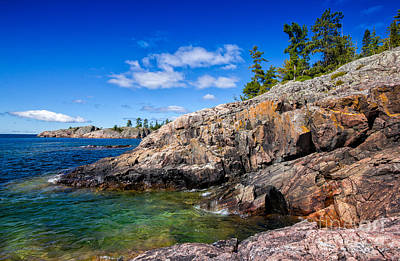 Photograph - Rocky Coast And Clear Water Of Lake Superior by Les Palenik