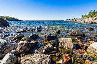 Photograph - Rocky Cove At Lake Superior North Shore by Les Palenik
