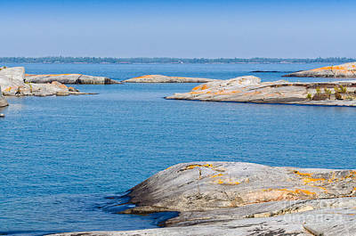 Photograph - Rocky Islands In Georgian Bay by Les Palenik