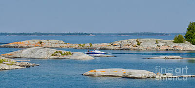 Photograph - Rocky Islands On Georgian Bay by Les Palenik