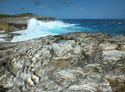 Photograph - Rocky Shore And Waves 2 by Duane McCullough