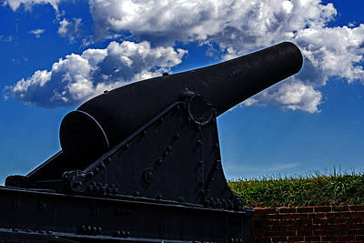 Photograph - Rodman Cannon At Fort Mchenry by Bill Swartwout
