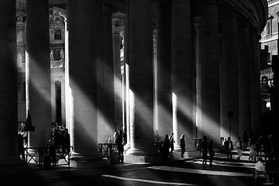 Monochrome Wall Art - Photograph - Roma - Piazza San Pietro, Citta? Del Vaticano by Artistname