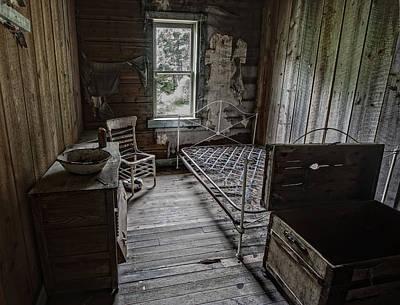 Room At The Wells Hotel - Montana Art Print by Daniel Hagerman