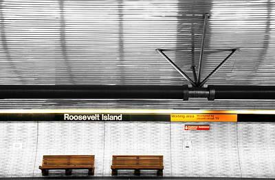 Photograph - Roosevelt Island Subway by Valentino Visentini