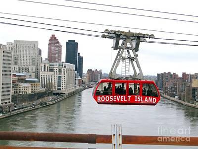 Photograph - Roosevelt Island Tram by Ed Weidman