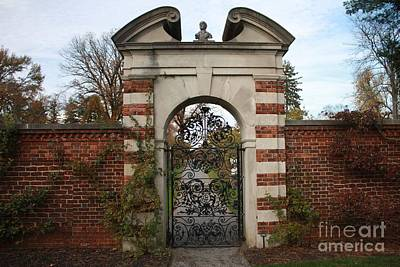 Photograph - Rose Garden Entrance by John Telfer