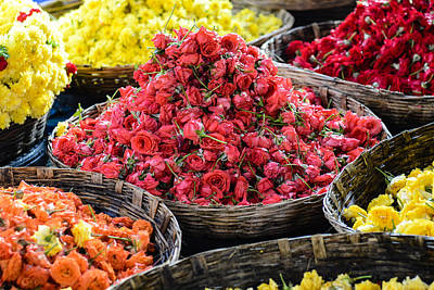Photograph - Roses For Sale At A Indian Flower Market by Brandon Bourdages