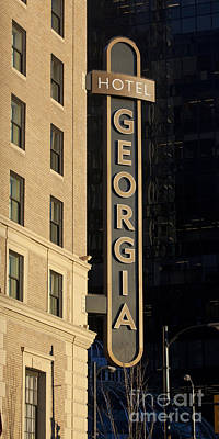 Photograph - Rosewood Hotel Georgia In Evening Light by Chris Dutton