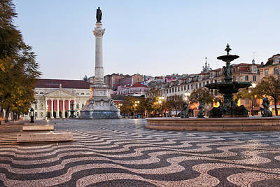 Rossio Square In The Morning Art Print by Artur Bogacki