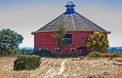Photograph - Round Barn by Helen Haw