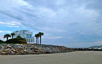 Photograph - Round Beach House by Jean Wright