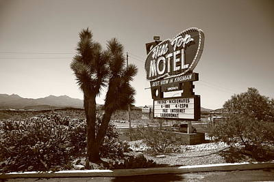 Photograph - Route 66 - Hill Top Motel by Frank Romeo
