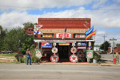 Photograph - Route 66 - Sandhills Curiosity Shop by Frank Romeo