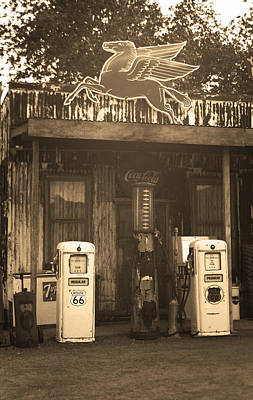 Photograph - Route 66 Vintage Pumps by Frank Romeo
