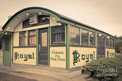 Photograph - Royal Diner Famous For Fine Food by Edward Fielding