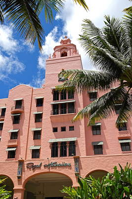 Photograph - Royal Hawaiian Hotel - Entrance by Michele Myers