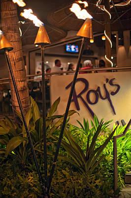 Photograph - Roy's Restaurant In Waikiki by Dan McManus