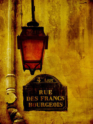 Photograph - Rue Des Francs Street Light by Bob Coates