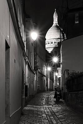 Sacre Coeur Photograph - Rue St Rustique Montmartre Paris by Pierre Leclerc Photography