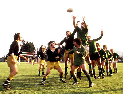Photograph - Rugby Toss In by Robert  Rodvik