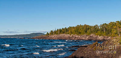 Photograph - Rugged Lake Superior Coastline by Les Palenik