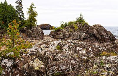 Photograph - Rugged Rock Formations At Lake Superior by Les Palenik