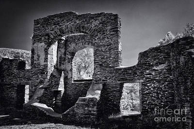 Virginia Ruins Photograph - Ruins - 609 by Paul W Faust -  Impressions of Light