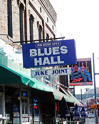 Photograph - Rum Boogie Blues Hall Beale St Memphis by Lizi Beard-Ward