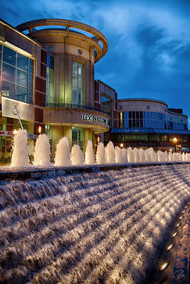 Rupp Arena Photograph - Rupp Fountain by Rob Beverly