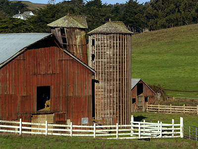Silo Photograph - Rural Barn by Bill Gallagher