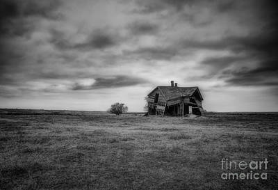 Photograph - Rural Living by Fred Lassmann