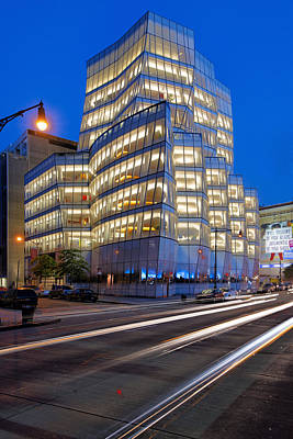 Nyc Photograph - Rush Hour In New York At Iac Building Vertical by David Giral
