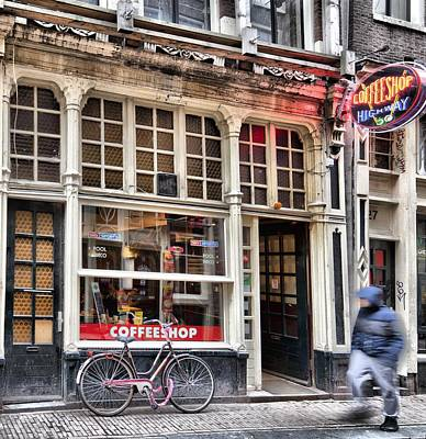 Rushing Past The Amsterdam Kafe Art Print