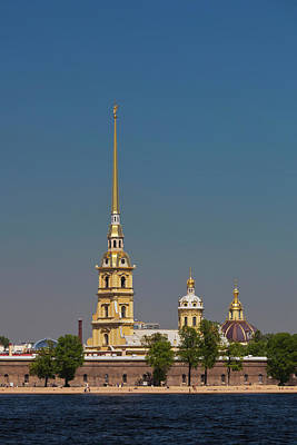 Saint Petersburg Photograph - Russia, Saint Petersburg, Center, Neva by Walter Bibikow