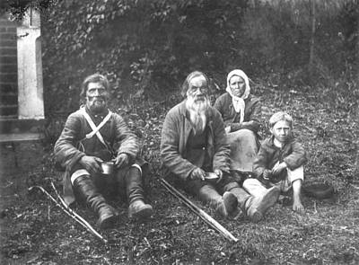 Babushka Photograph - Russian Peasants, C1900 by Granger