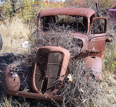 Ford Watercolor Photograph - Rusted Classic 09 by Gennaro Orlando