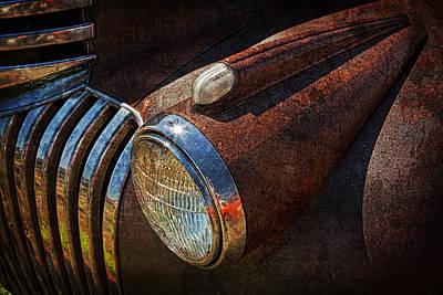 Jeff Johnson Photograph - Rusted Elegance by Jeff Johnson