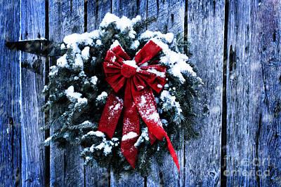 Snowy Night Photograph - Rustic Christmas Wreath by Stephanie Frey