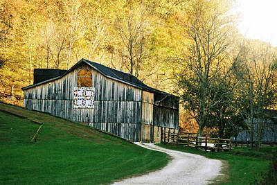 Gravel Road Photograph - Rustic Quilt Barn by Chastity Hoff