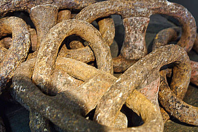 Rusty Antique Ship Chain Art Print by Linda Phelps