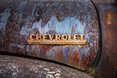 Rusted Cars Photograph - Rusty Chevrolet - Nameplate - Old Chevy Sign by Gary Heller