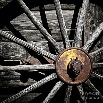 Wagon Wheels Photograph - Rusty Hub by Alison Sherrow