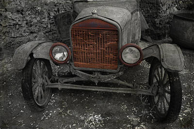 Photograph - Rusty Ol' Ford by Kathleen Scanlan