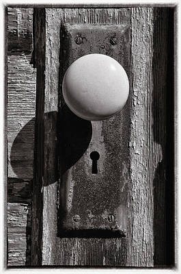 Photograph - Rusty Old Door Knob by Steve Hurt