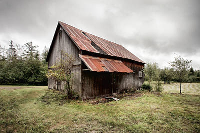 Old Building Photograph - Rusty Tin Roof Barn by Gary Heller