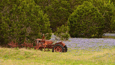Photograph - Rusty Tractor by John Johnson