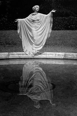 Arms Outstretched Photograph - Ruth St. Denis Wearing A Toga by Arnold Genthe
